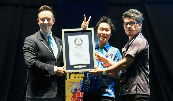 A Pair of DARTSLIVE OFFICIAL PLAYERS, Muramatsu and Noge to be listed in Guinness World Records(TM)!