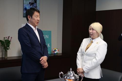 スポーツ庁鈴木大地長官との対面(2)